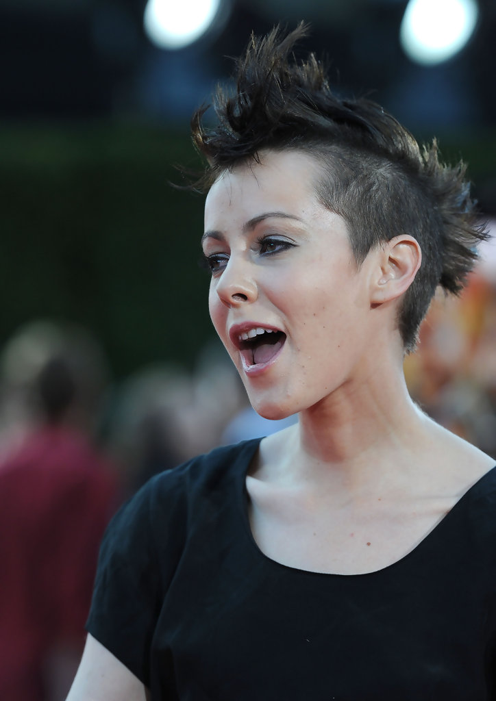 Finally Official Jena Malone Is Johanna Mason Read At Joe S